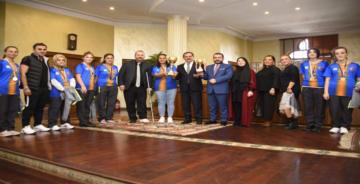 Özel' şampiyonlar Büyükşehir'de DEMİR: GURUR VERDİNİZ!
