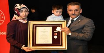 Vali Osman Kaymak 'Devlet Övünç Madalyası Törenine Katıldı.